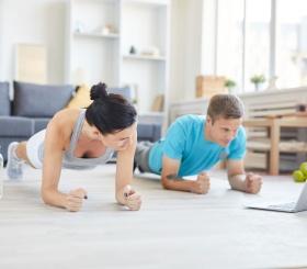 5 лучших приложений для занятия спортом дома